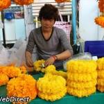 بازار گل بانکوک ، بزرگترین بازار گل تازه عمده و خرده فروشی در بانکوک است. این بازار دارای انواع گل های محبوب و آیتم های مربوط به گیاهان است