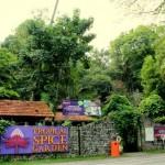 باغ گونه های گرمسیری (Tropical Spice Garden) در پنانگ درست بالای جاده محل اتصال تلک بهنگ (Teluk Bahang) قرار دارد ، که مجموعه ای هشت هکتاری از جنگل های فرعی با 500 گونه از گیاهان و جانوران می باشد.