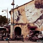 آثار هنری در سرتاسر خیابان هنر پنانگ (Penang Street Art) دیده می شود . این نقاشی ها و آثار هنری جالب در امتداد جاده ها و خیابان های پنانگ گسترش یافته است
