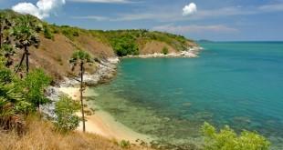 دماغه پرومتپ (Promthep Cape) شاید بهترین و شناخته شده محل در جزیره پوکت در تایلند باشد . هر روز اتوبوس های تور ، خودروهای شخصی برای تماشای غروب به اینجا می آیند .