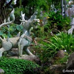 موزه اِراوان یکی از عجایب شهر بانکوک - تایلند است که هر بیننده ای را متعجب و شگفت زده خواهد کرد . مجسمه سه سر بزرگ فیل ، ایستاده بر پایه های عظیم الجثه هم اندازه ، اولین و آخرین چیزی است که شما هنگام بازدید از موزه اِراوان در ساموت پِراکان (Samut Prakan) می بینید.