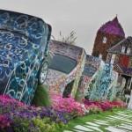 باغ گل شگفت انگیز دبی (Dubai Miracle Garden) واقع دبی لند (Dubailand) در نزدیکی مزارع عربستان و در روز ولنتاین بازگشایی شد.