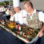 جشنواره باربیکیو کباب و شیشلیک ارمنستان هر ساله با حضور سرآشپزهای حرفه ای و آماتور از مناطق مختلف ارمنستان برای پخت 40 گونه کباب و هر کدام با ویژگی های خاص خود در شهر آختالا برگزار می شود