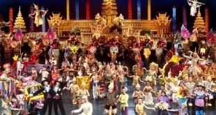 نمایش فانتاسی پوکت ، بزرگترین نشان جزیره پوکت است که با هنرمندان طناب باز ، و نمایش هنرمندانه با صدها فیل و سایر حیوانات با داستان های عجیب و غریب که آمیزه ای از سنت های کشور زیبای تایلند است