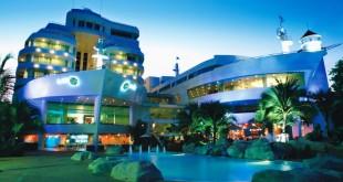هتل رویال کروز (A-ONE The Royal Cruise Hotel) یکی از هتل های محبوب چهار ستاره پاتایا است و در مقابل ساحل پاتایا واقع شده است.